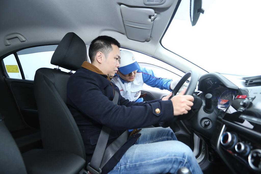 Đào tạo lái xe ô tô cho phòng vệ cho khách hàng doanh nghiệp (Nâng cao)