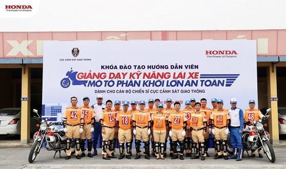 Honda Việt Nam triển khai chương trình tập huấn và đào tạo lái xe an toàn cho cán bộ chiến sĩ Cục Cảnh sát giao thông – Bộ Công an năm 2020