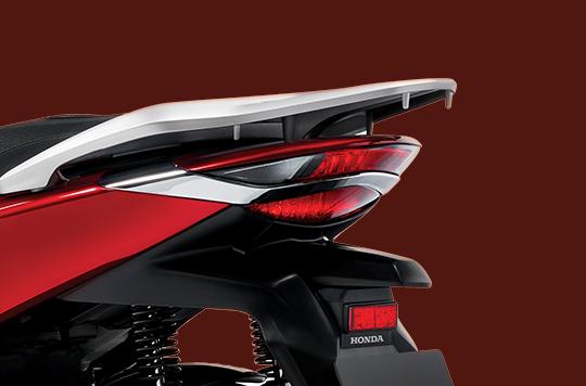 Cụm đèn hậu và thiết kế đuôi xe
