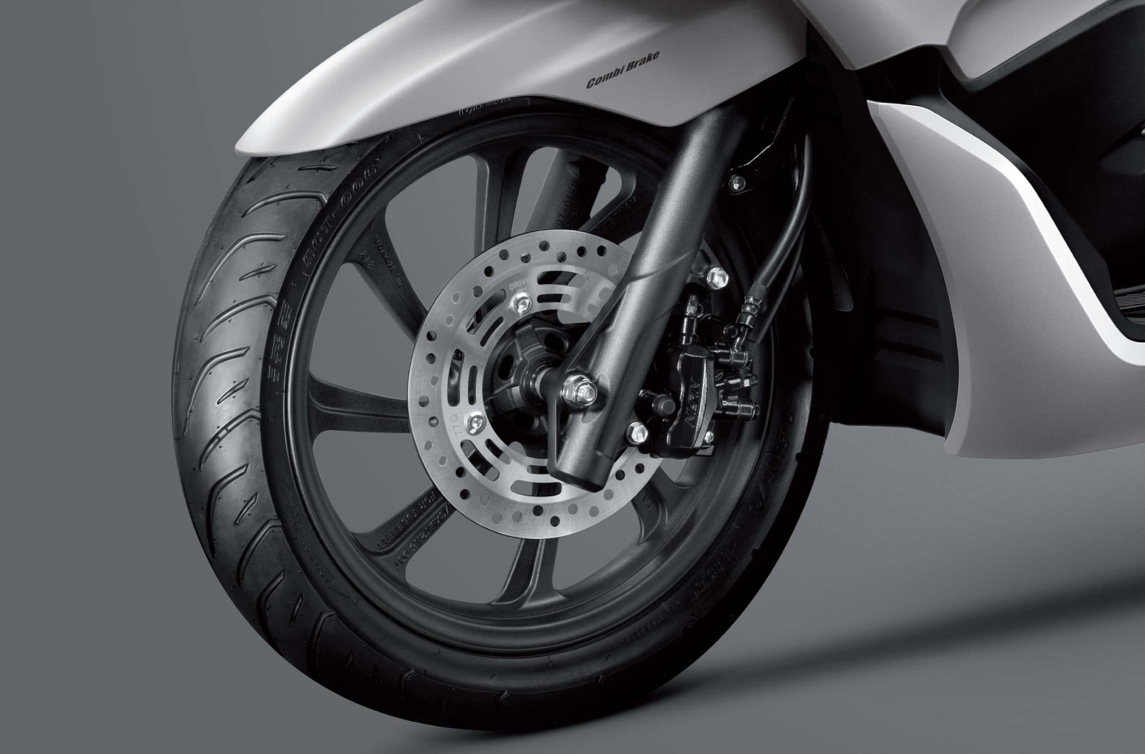 Lốp xe và bánh xe mới